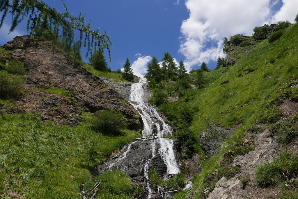 alpes guide accompagnateur randonnée montagne