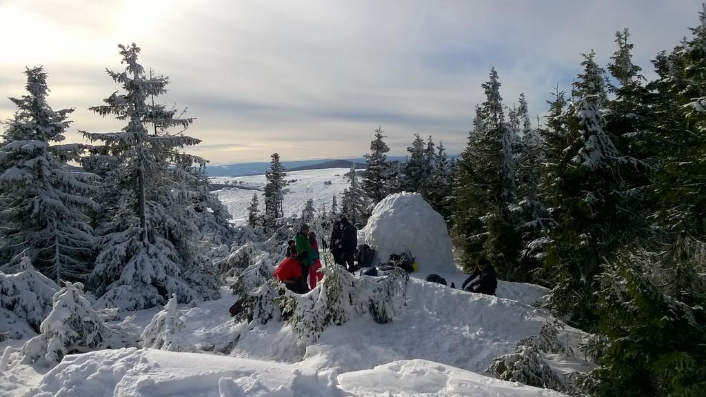 chaîne des puys volcans d'auvergne accompagnateur montagne guide randonnée